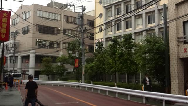 駒込高校外観